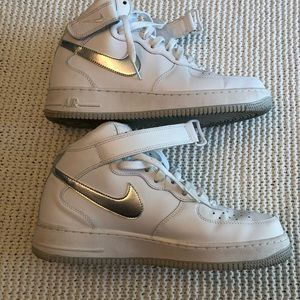 Nike Shoes - Like New Air Force 1 Mid '07